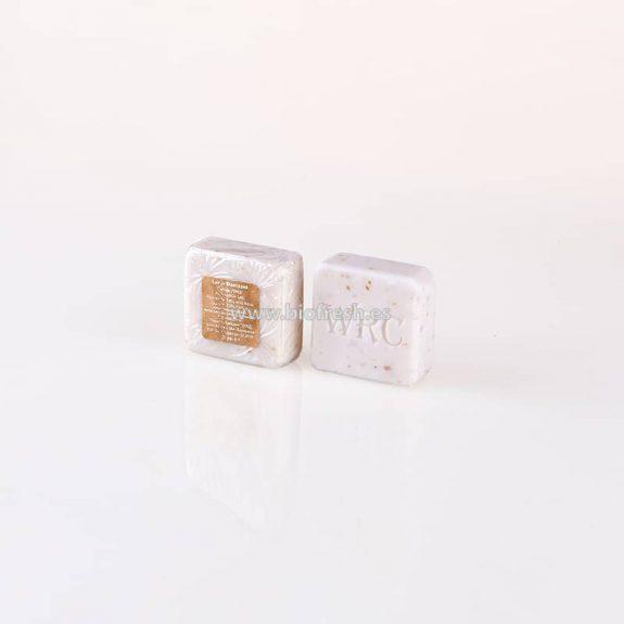 Jabón cuadrado con marca en envase transparente 25 gr